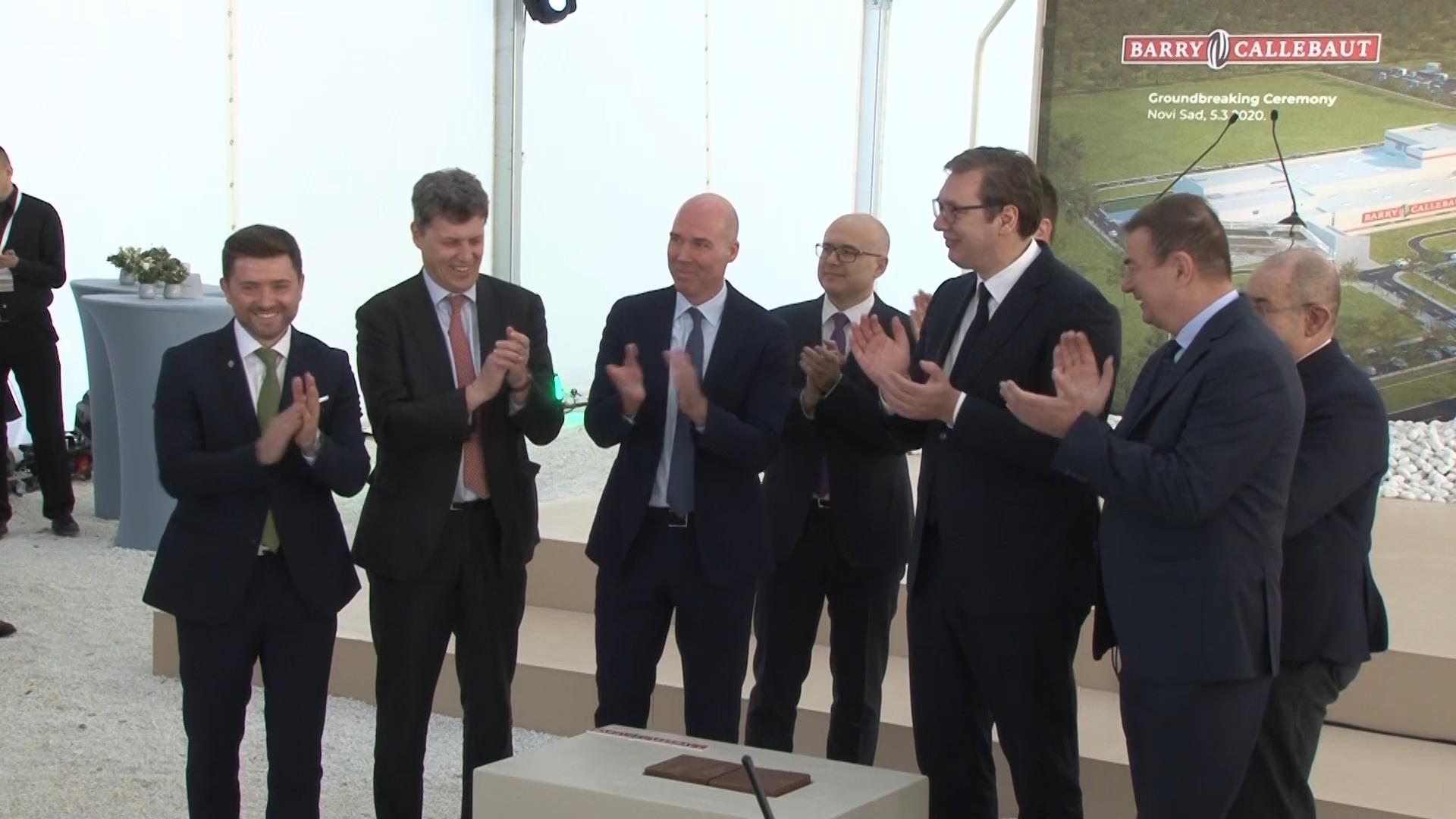Predsednik Vucic Prisustvovao Postavljanju Kamena Temeljca Fabrike